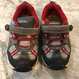 Stride Rite Tennis Shoes 8 Wide Grey/Red